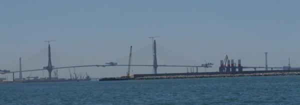 Für die Ingenieurfreaks die neue Brücke über den Industriehafen