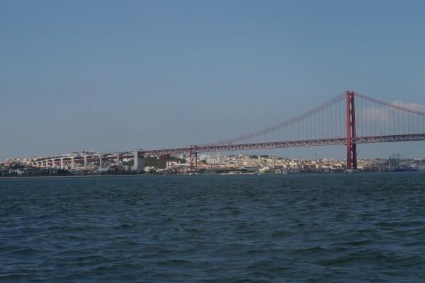 Brücke vor Lissabon